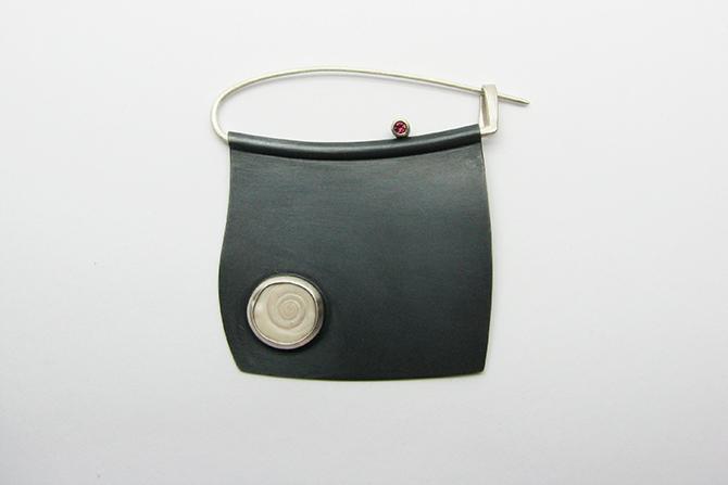 Brooch: Rhodolith, Shell & Silver