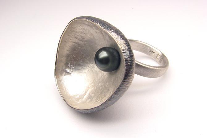 Ring: Tahiti Pearl & Silver