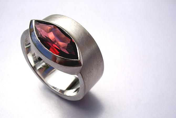 Ring: Garnet & Silver