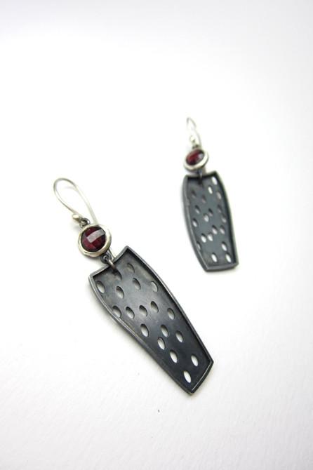 Earring: Garnet & Silver