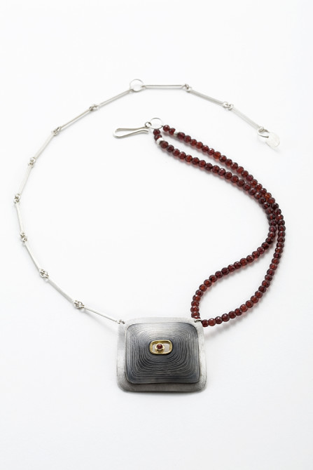 Necklace: Garnet, Yellow Gold & Silver