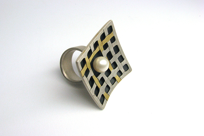 Ring: Pearl, Yellow Gold & Silver